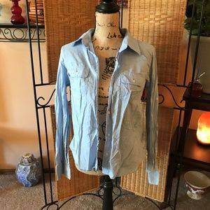 American Eagle Long Sleeve Light Blue Button Down